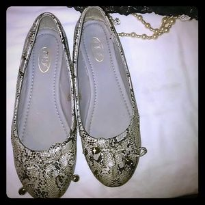 FAbulous reptile ballet loafers